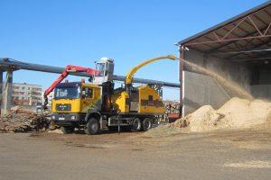 Europe-Chippers-EC-1175-Truck-mount-crane-cabin.1-1300x866
