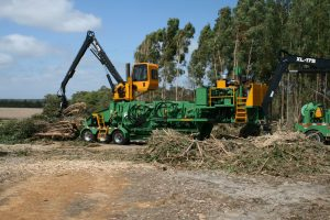 EUROPE CHIPPERS – medienos smulkintuvai Precision 4 flail debarker
